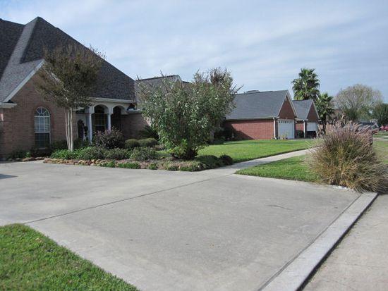 5201 Kent Ave, Groves, TX 77619