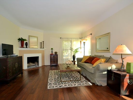1545 Ard Eevin Ave, Glendale, CA 91202