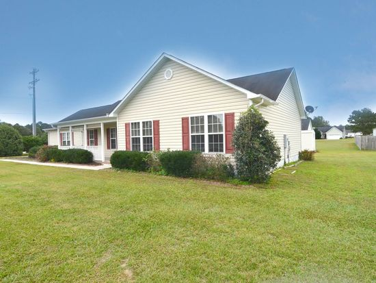 101 Goldie Ln, Beulaville, NC 28518