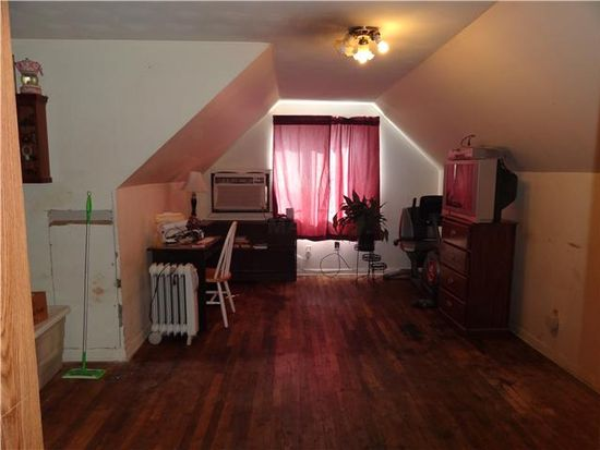808 Western Park Dr, Memphis, TN 38109