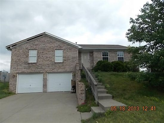 1203 Stonelilly Dr, Jeffersonville, IN 47130