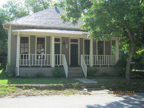 602 N Walnut St, Weatherford, TX 76086