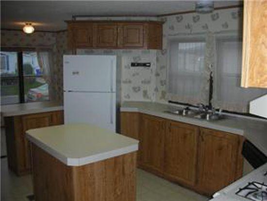 602 Birchwood Dr, Lockport, NY 14094