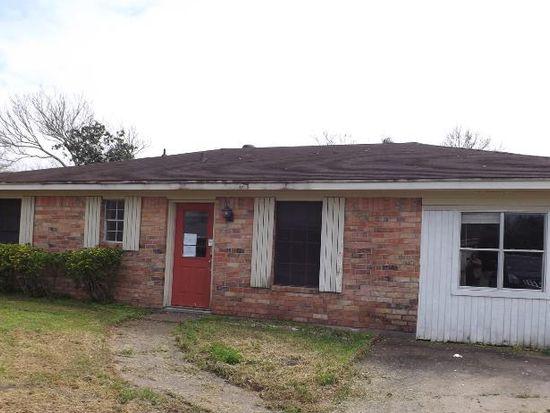 9135 Landis Dr, Beaumont, TX 77707
