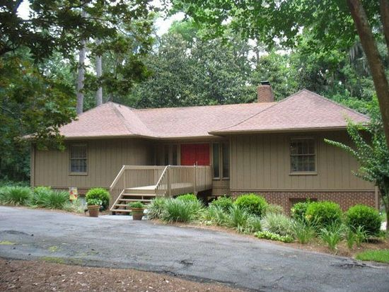806 Pine Point Cir, Valdosta, GA 31602