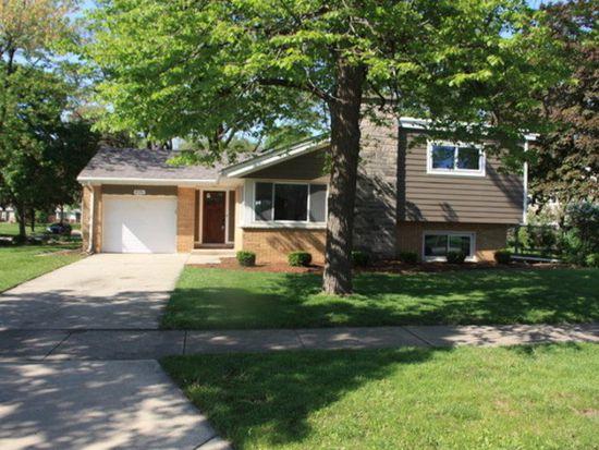 436 E Huntington Ln, Elmhurst, IL 60126