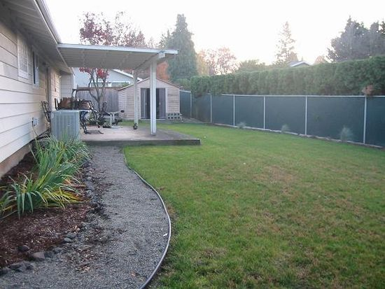 2157 N Country Club Dr, Canby, OR 97013
