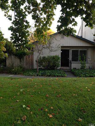 386 Gate Way, Santa Rosa, CA 95401
