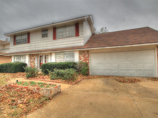 712 Brightside Dr, Midwest City, OK 73110