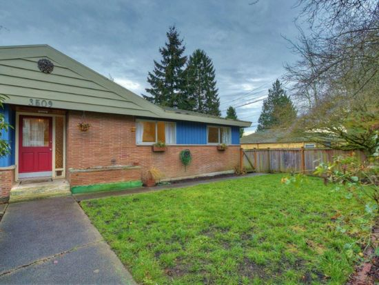 3509 SW Monroe St, Seattle, WA 98126