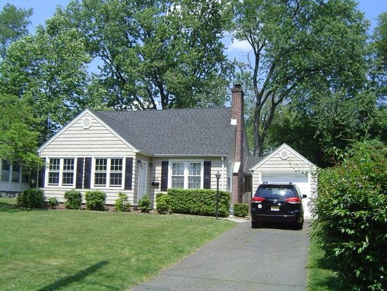 210 Lawrence Ave, North Plainfield, NJ 07063