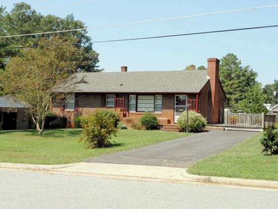 702 Virginia Ave, Chase City, VA 23924