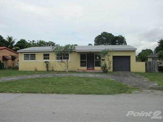 11040 Peachtree Dr, Miami, FL 33161