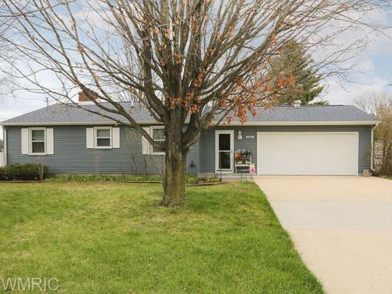 9770 Clearwater Dr, Grant, MI 49327