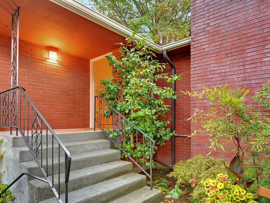 4525 SW Hemlock Way, Seattle, WA 98136