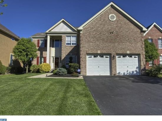 414 Laurel Creek Blvd, Moorestown, NJ 08057