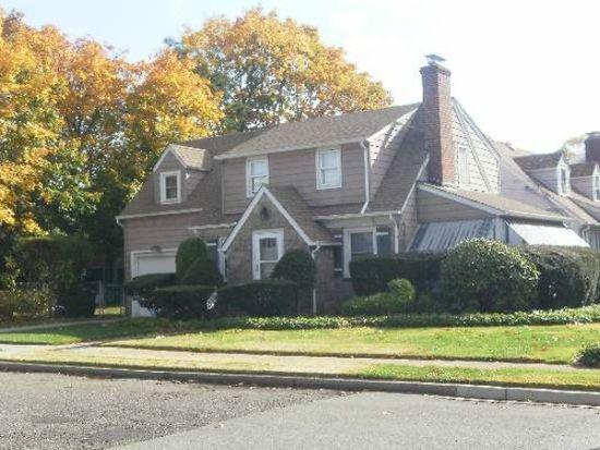 59 Davis St, Freeport, NY 11520