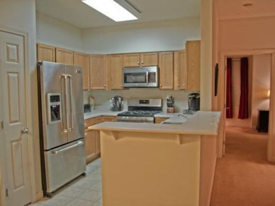 19 Hampshire Rd APT 201, Methuen, MA 01844