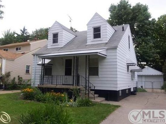 18793 Elkhart St, Harper Woods, MI 48225