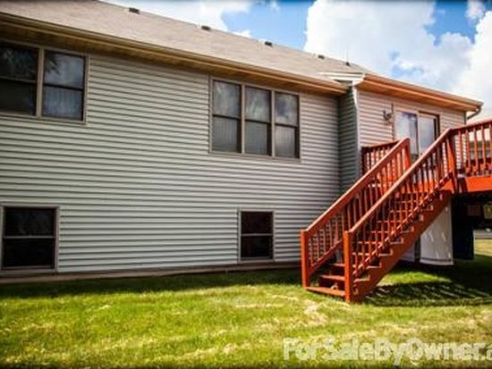 1648 Ash Ave, Woodstock, IL 60098