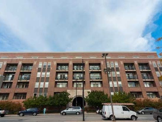 1350 W Fullerton Ave APT 210, Chicago, IL 60614