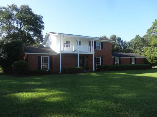 309 Clubview Dr, Moultrie, GA 31768