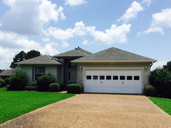 5600 Village Lake Dr, Pace, FL 32571