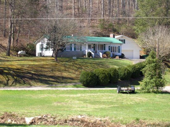 2946 Conleys Creek Rd, Whittier, NC 28789