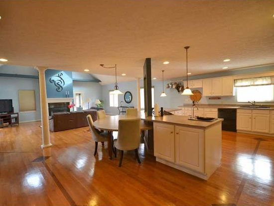 7604 Freedom Woods Dr, Indianapolis, IN 46259