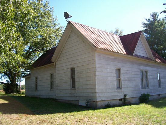 392 Segars St, Jefferson, GA 30549