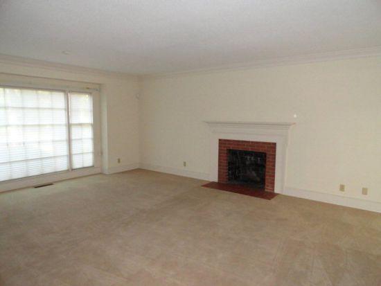 1720 Myrtle Rd, Albany, GA 31707