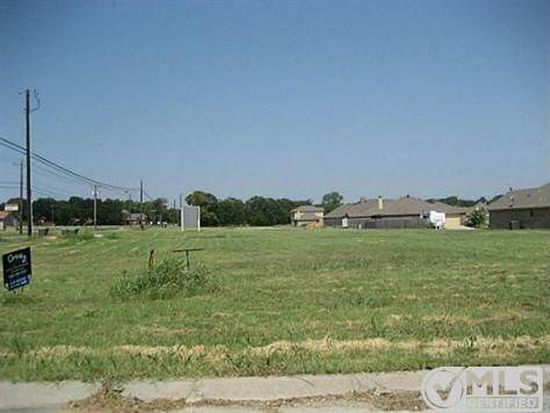 2207 Stonegate Blvd, Bridgeport, TX 76426
