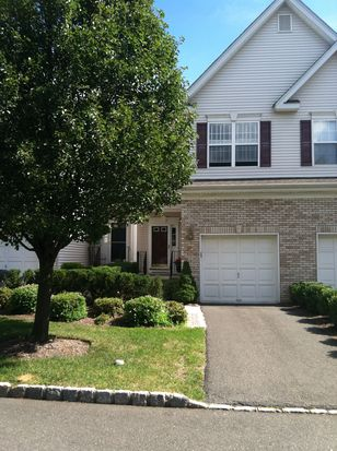 527 Coventry Dr, Nutley, NJ 07110