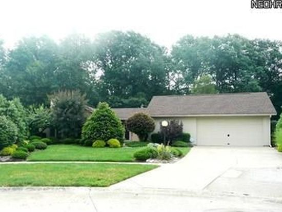 21305 Meadows Edge Ln, Strongsville, OH 44149