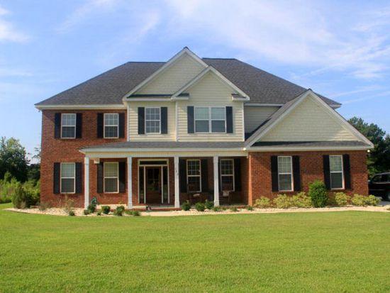122 Sweetwater Dr, Thomasville, GA 31757