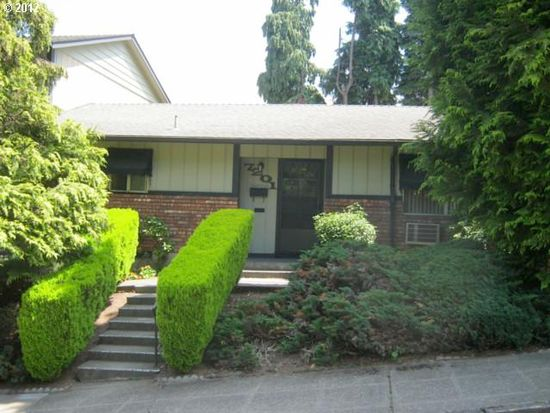 7201 SE Thorburn St, Portland, OR 97215