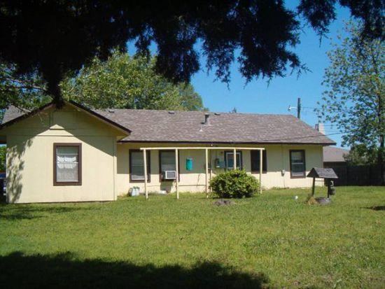 1305 N Dorothy Ave, Claremore, OK 74017