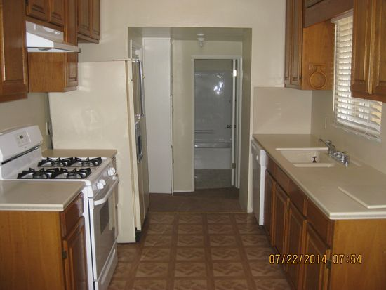 6056 Colonial Dr, Riverside, CA 92506