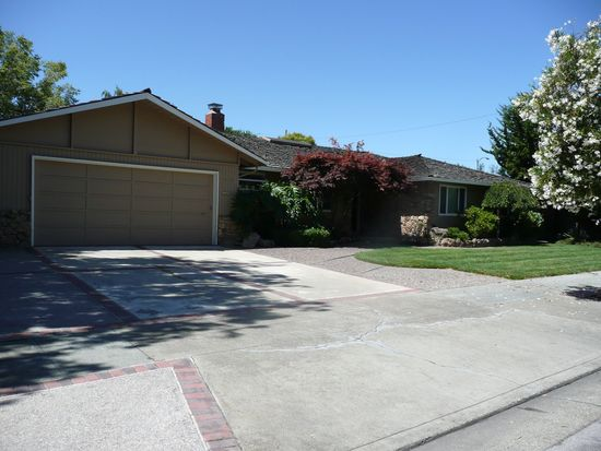 5272 Country Ln, San Jose, CA 95129