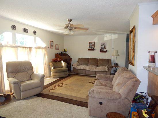 87 Moores Pointe Rd, Deltaville, VA 23043