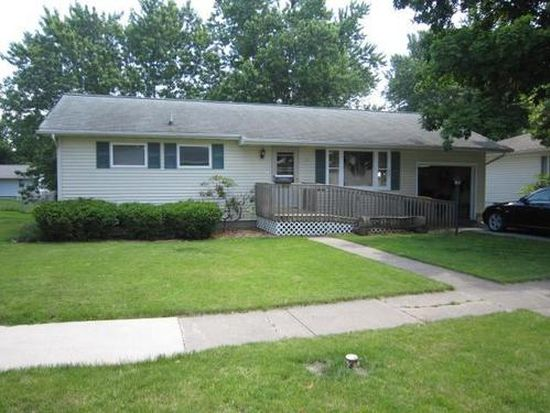 712 W Taylor Ave, Fairfield, IA 52556