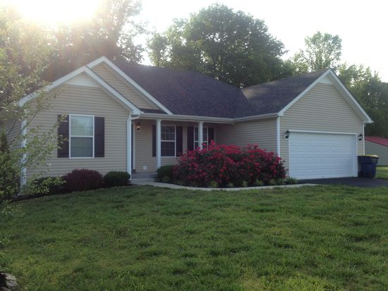 7131 Old Greenhill Rd, Bowling Green, KY 42103