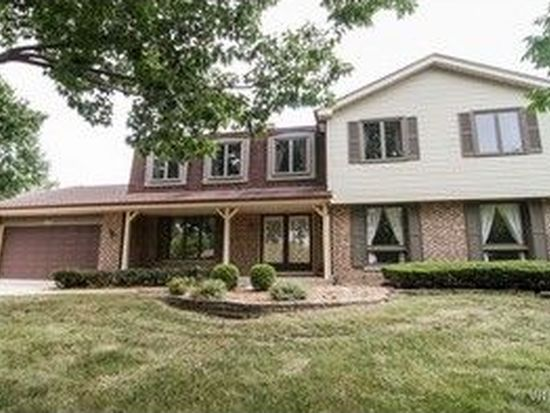 223 Chaucer Ct, Willowbrook, IL 60527