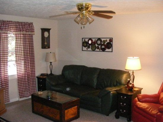 21773 Golden Dr, Meadville, PA 16335