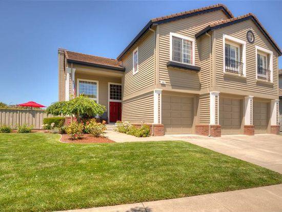 1805 Adobe Creek Dr, Petaluma, CA 94954