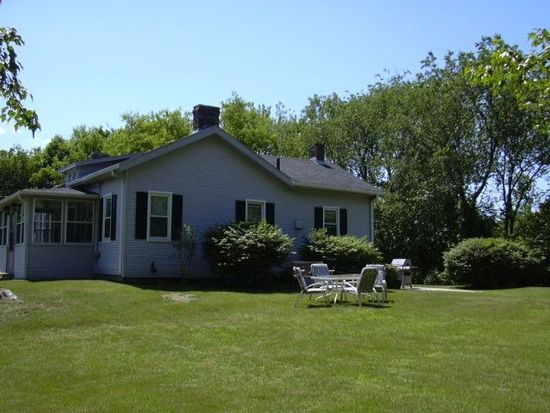 589 Middle Rd, Portsmouth, NH 03801