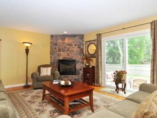 5 Annies Way, Barrington, RI 02806