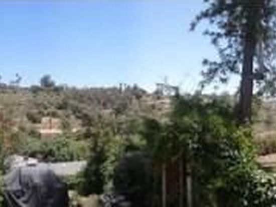 701 Valley Dr, Vista, CA 92084