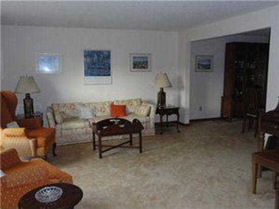 959 Castlebar Dr, North Tonawanda, NY 14120