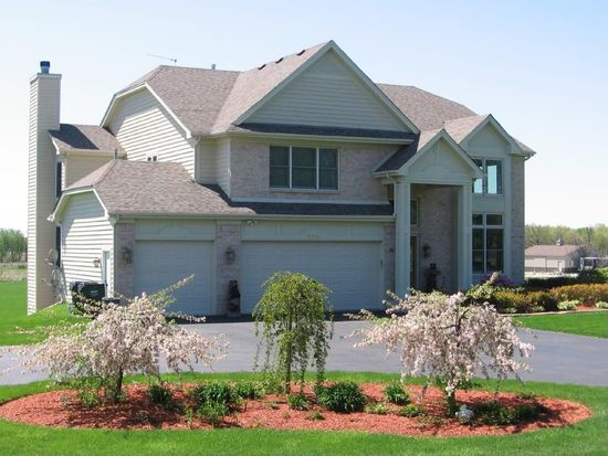 9713 N Clark Rd, Richmond, IL 60071